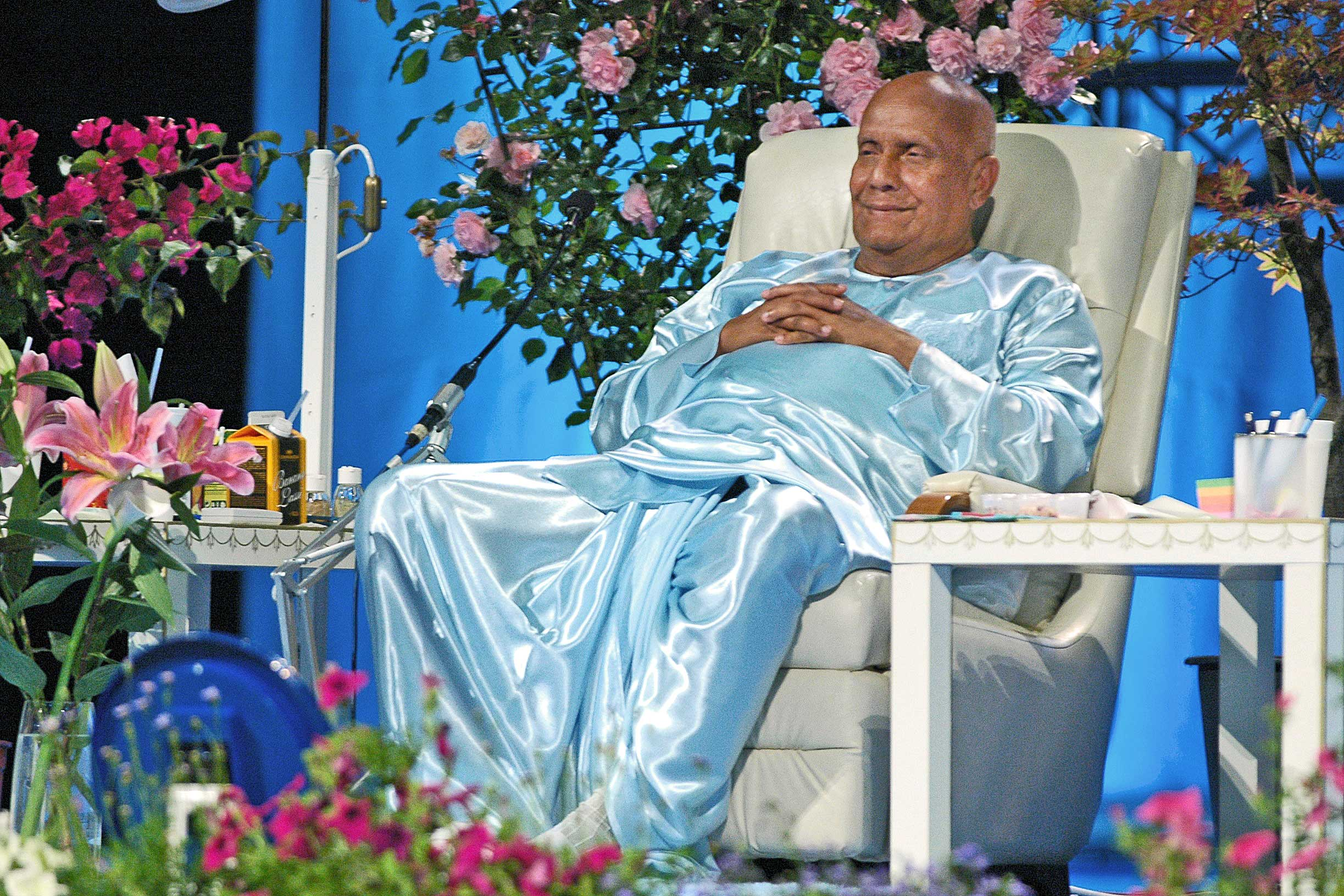 After-a-Peace-Concert-in-Italy---Sri-Chinmoy