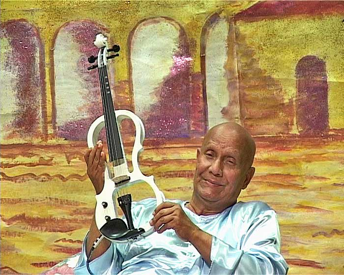 sri-chinmoy-white-violin