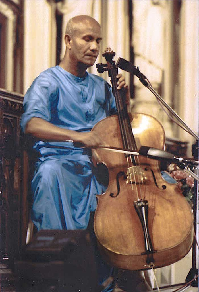 sri-chinmoy-cello-22a