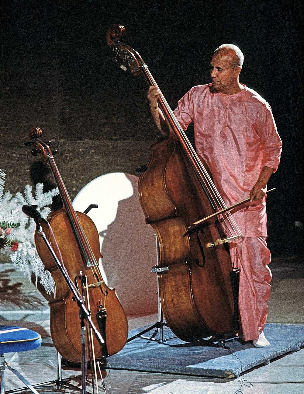 sri-chinmoy-cello1
