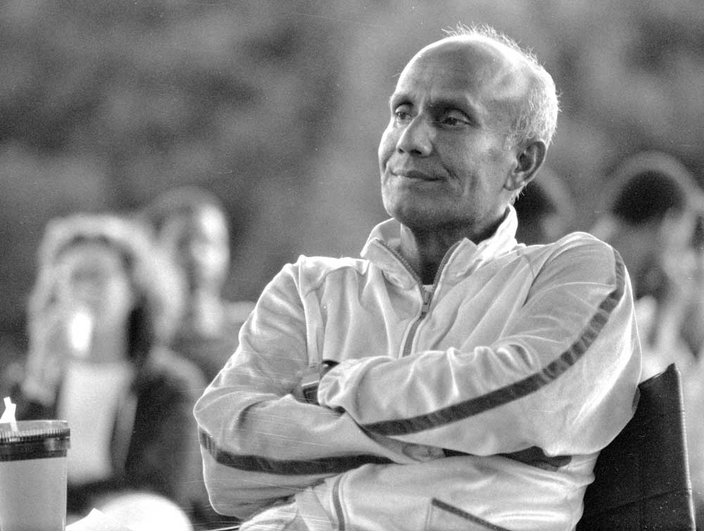 watching2-sri-chinmoy