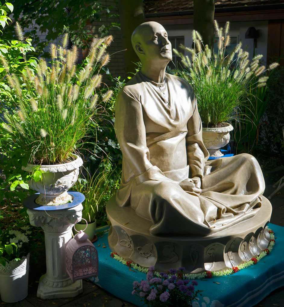 statue-sri-chinmoy-winterthur